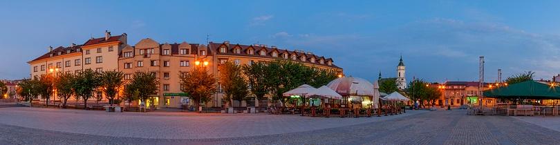 Panorama sferyczna rynku w Ostrowcu Świętokrzyskim fotografia 360 stopni