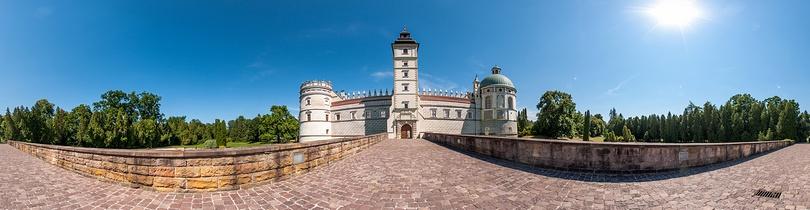 Zamek w Krasiczynie Panorama sferyczna fotografia 360, fotograf Paweł Litwin